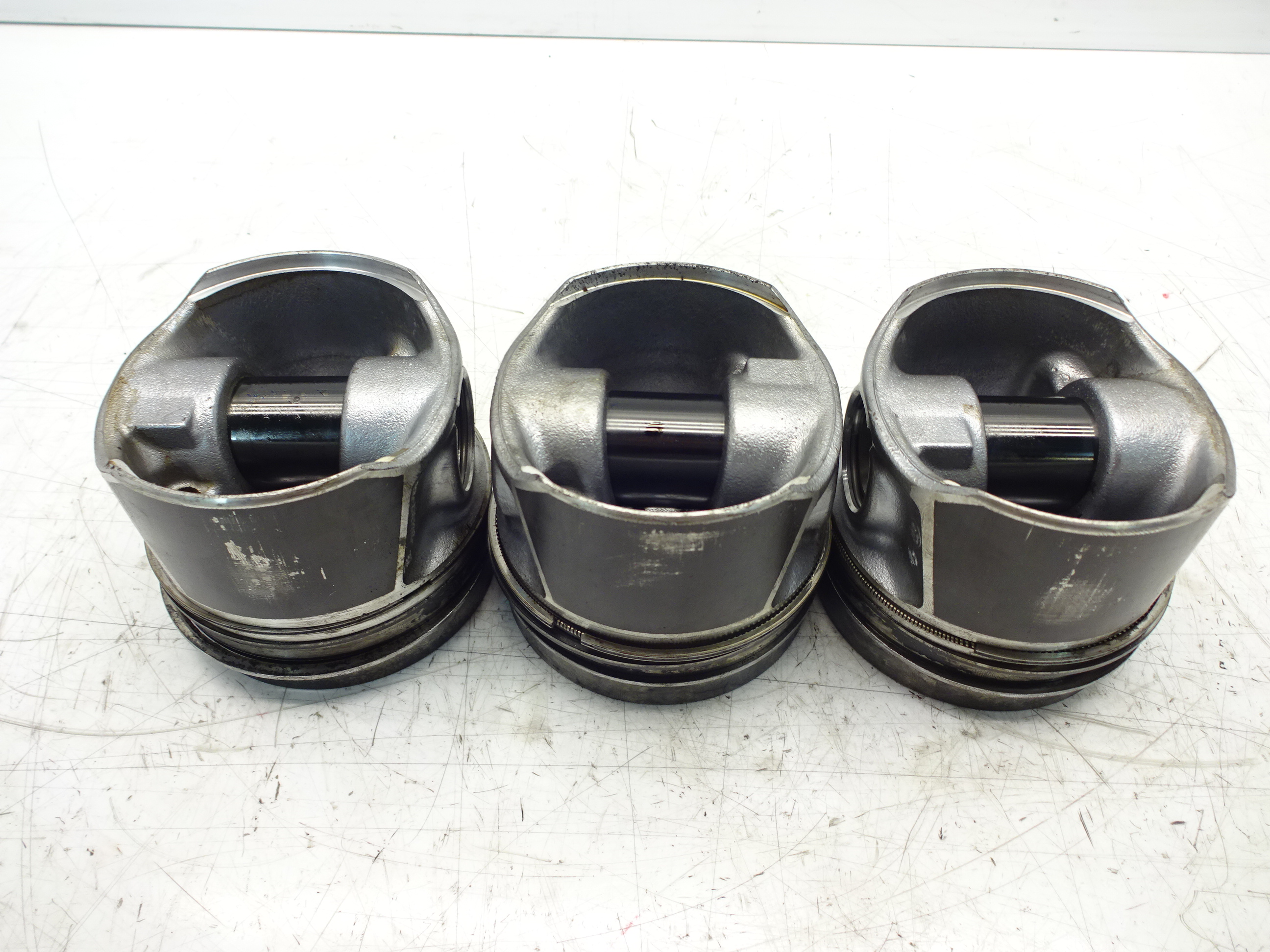 VW//AUDI//SEAT//SKODA 2.0 TDI PD piston with conrod 038J BHS DF V400 H72